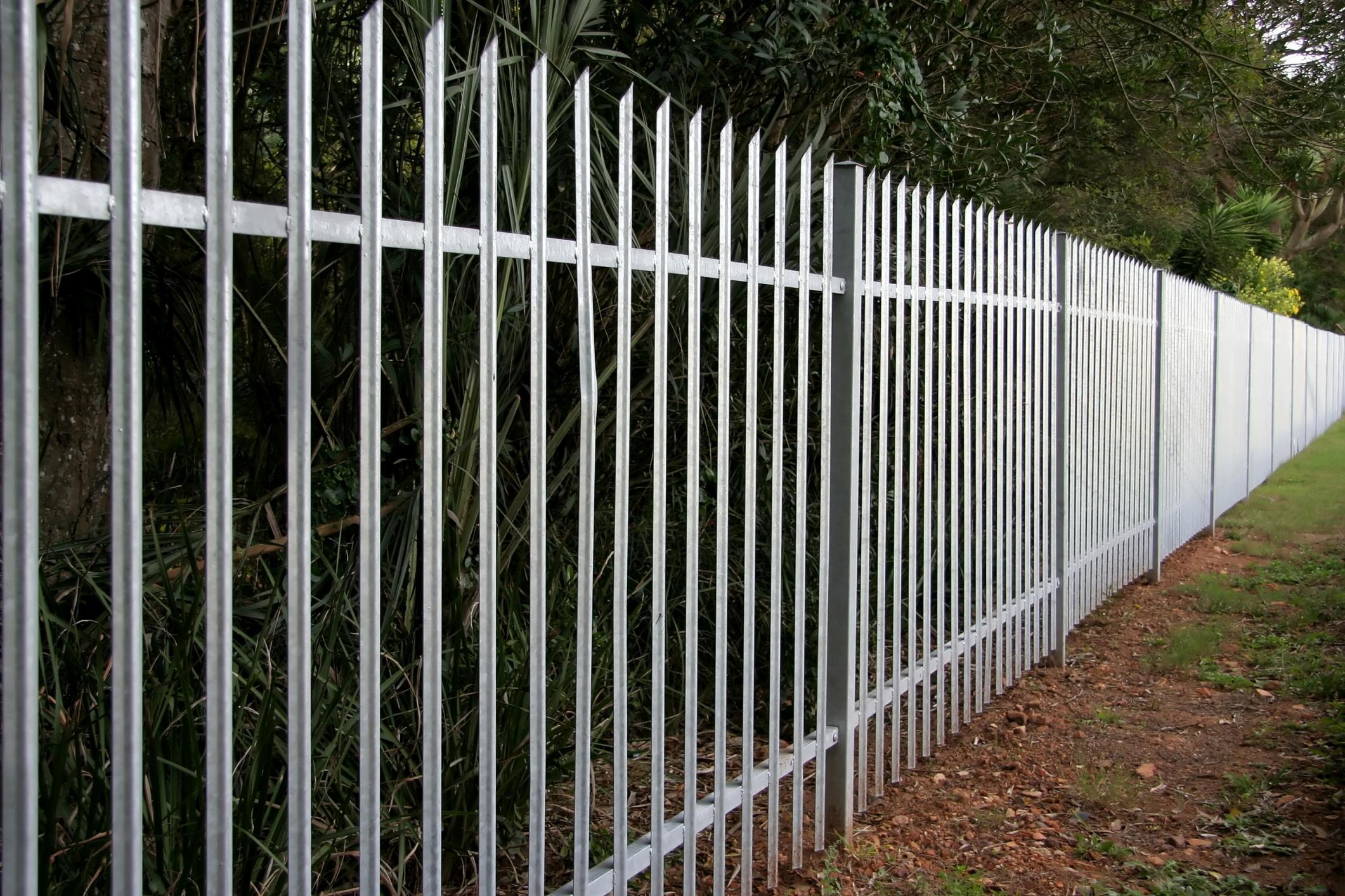 Fencig and Gates Corona - Aluminum Fencing